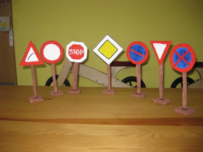 MŠ Drnovice – dopravní značky